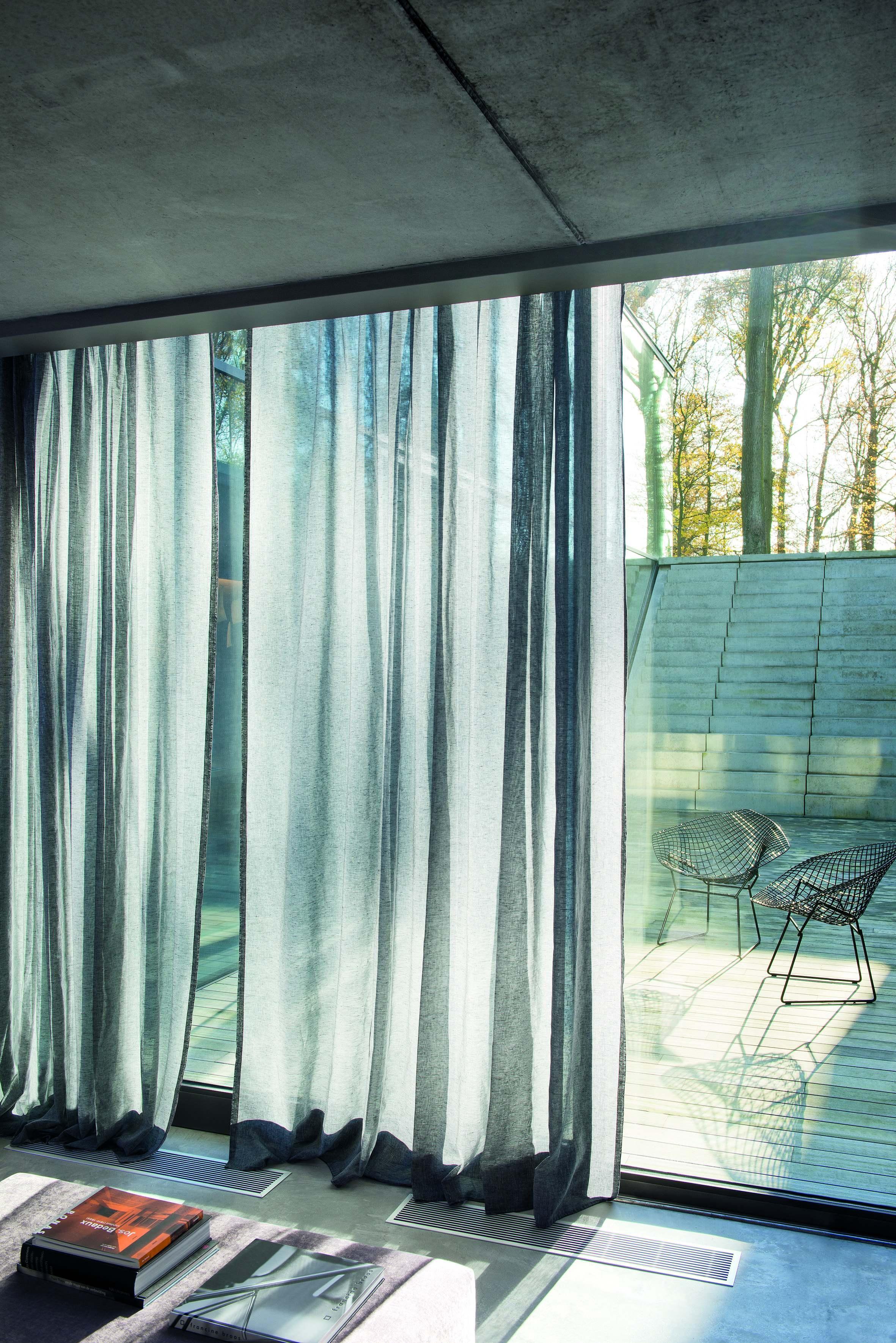 http://www.michielswoonstijl.nl/wp-content/uploads/gordijnen-Gentle-roomsetting-LR.jpg